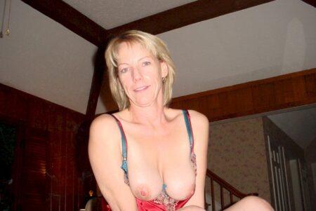 Femme cougar sexy très chaude cherche un mec original