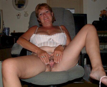 Femme infidèle sexy cherche un coquin