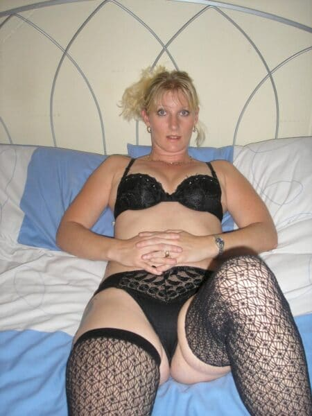 Femme infidèle sexy réellement classe recherche un mec accompli